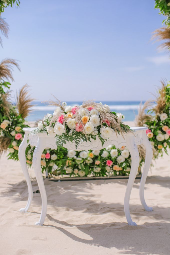 Wedding Ceremony Decoration by Courtyard by Marriott Bali Nusa Dua - 004