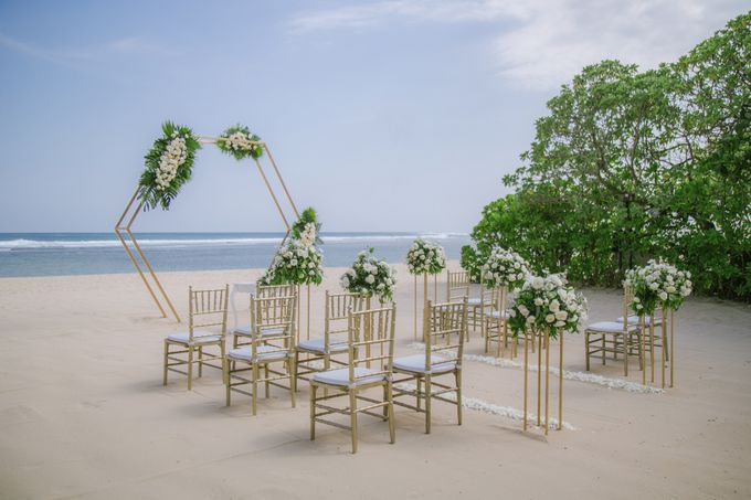 Wedding Ceremony Decoration by Courtyard by Marriott Bali Nusa Dua - 013
