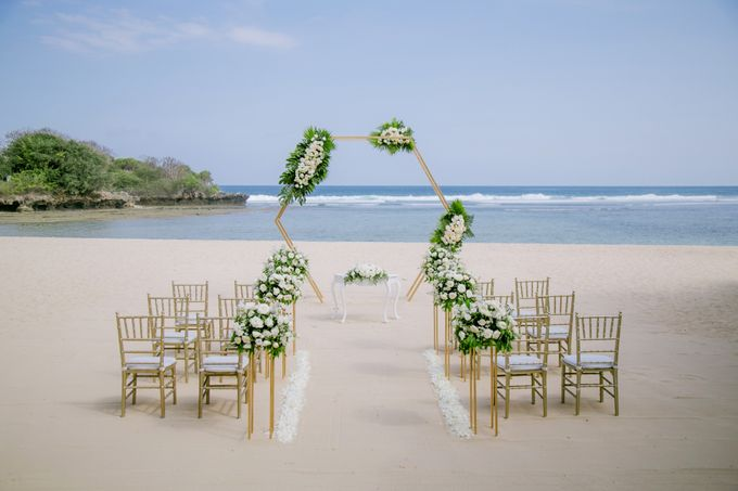 Wedding Ceremony Decoration by Courtyard by Marriott Bali Nusa Dua - 009