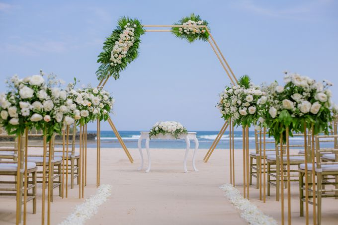 Wedding Ceremony Decoration by Courtyard by Marriott Bali Nusa Dua - 008