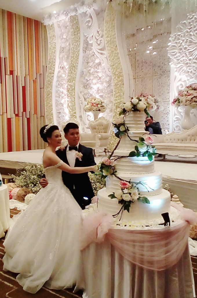 happy wedding for Bhowo & Adelein by Pelangi Cake - 001