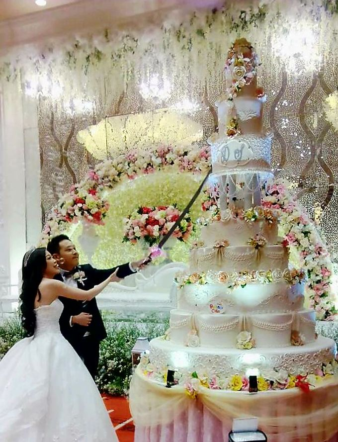 Happy Wedding Devin Sylvia By Pelangi Cake Bridestory Com