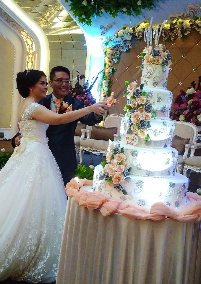 happy wedding Wisnu  by Pelangi Cake - 001