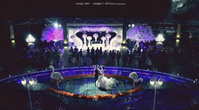 White Allure Wedding by Fuchsia Decoration - 002