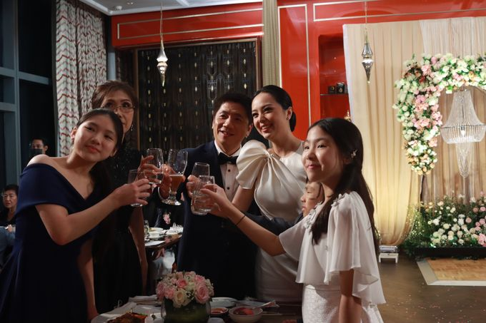 Fine Dinning Intimate entertainment wedding at Alto Restaurant Four Seasons Jakarta - Double V Entertainment by Hian Tjen - 027