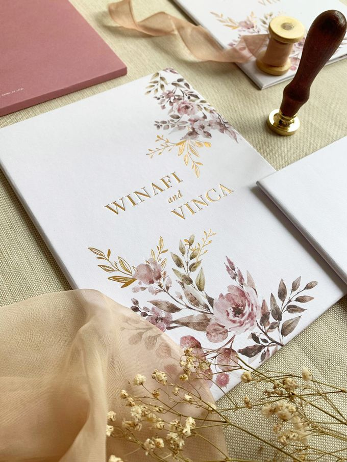 Modern Floral by Trouvaille Invitation - 009