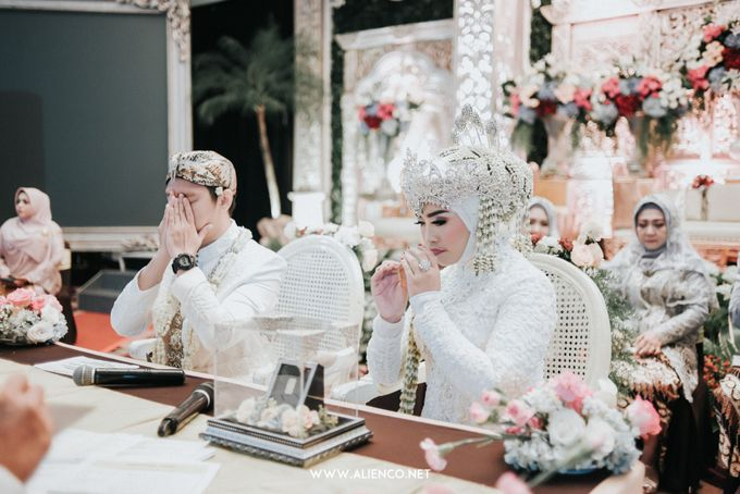 THE WEDDING OF ANGGI & iNDRA by alienco photography - 004