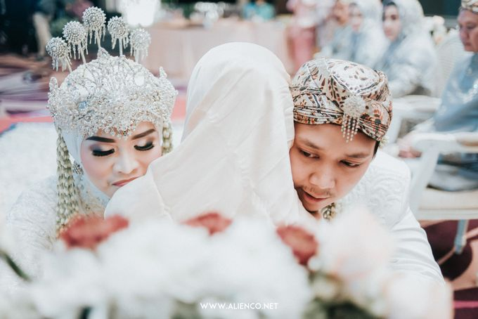 THE WEDDING OF ANGGI & iNDRA by alienco photography - 005