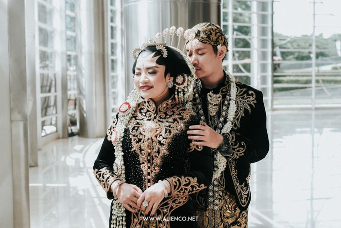 THE WEDDING OF ANGGI & iNDRA by alienco photography - 011