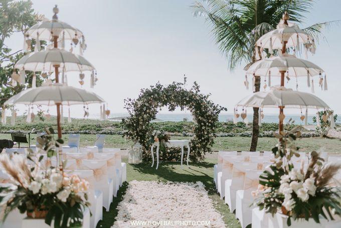 Sean & Danielle Wedding by Holiday Inn Resort Baruna Bali - 009