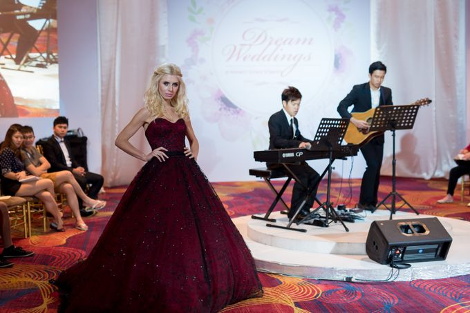 Bridal Gown Fashion Show At Mandarin Orchard Singapore by La Belle Couture Weddings Pte Ltd - 012