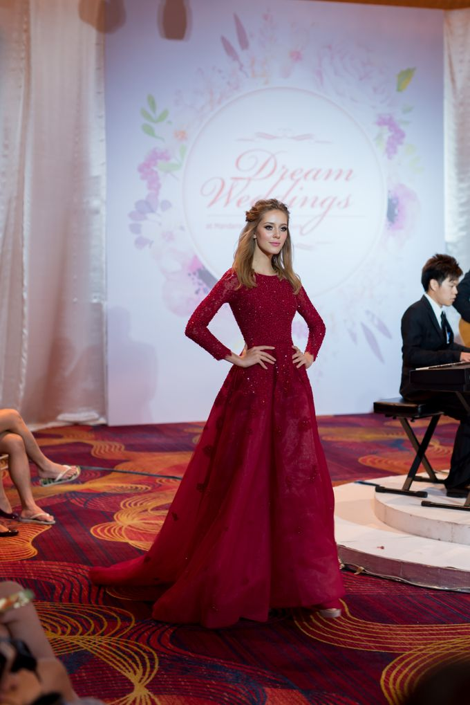 Bridal Gown Fashion Show At Mandarin Orchard Singapore by La Belle Couture Weddings Pte Ltd - 013