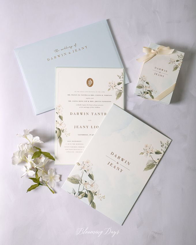 LOVE BLOOMS by BloomingDays Invitation Studio - 001