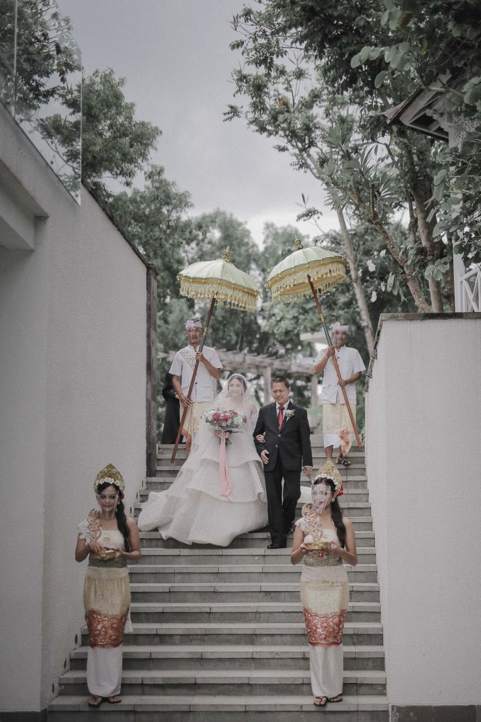 Sally and Randy Wedding by All Season Surabaya Photo by KAMAYA BALI - 001