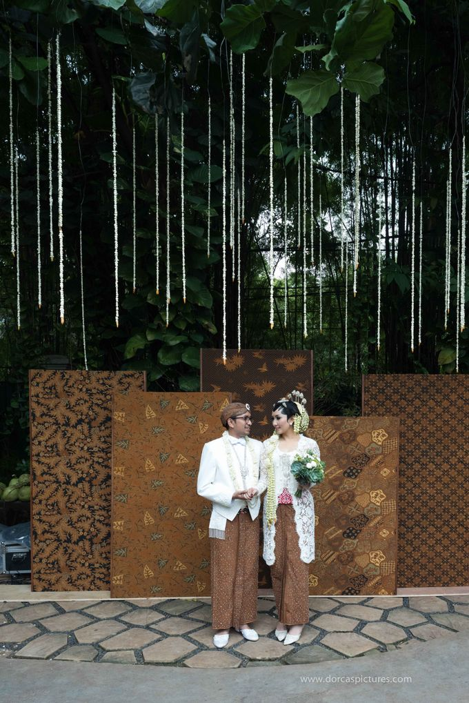 Traditional Java Wedding by Twigs and Twine - 001