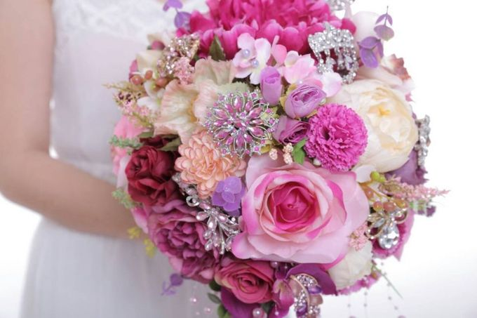 ENCHANTED WEDDING BOUQUET by LUX floral design - 031