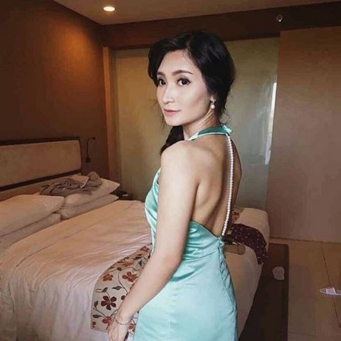 Customize Pearl Backless Mint Dress for Ms Debora by The White Gallery - 002