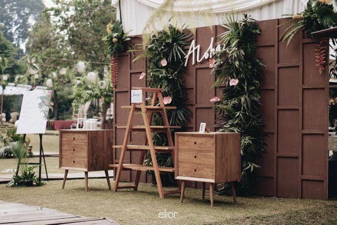 The Vibrant Tropical Wedding of Christa & Dede by Elior Design - 012