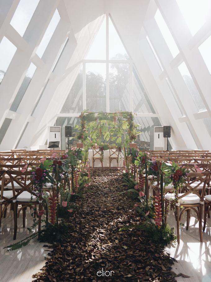 The Vibrant Tropical Wedding of Christa & Dede by Elior Design - 019