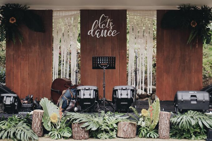 The Vibrant Tropical Wedding of Christa & Dede by Elior Design - 024