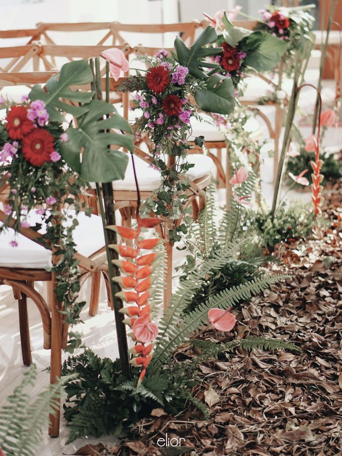 The Vibrant Tropical Wedding of Christa & Dede by Elior Design - 004