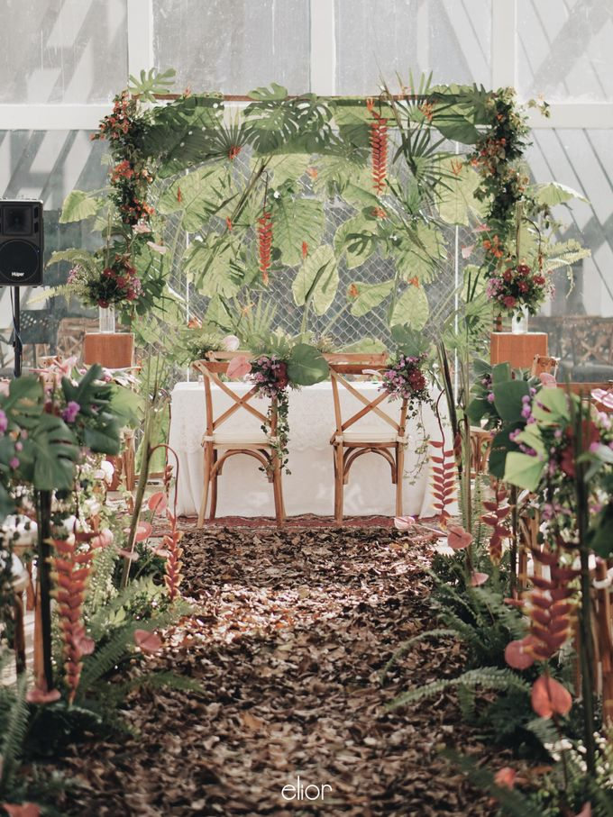The Vibrant Tropical Wedding of Christa & Dede by Elior Design - 005