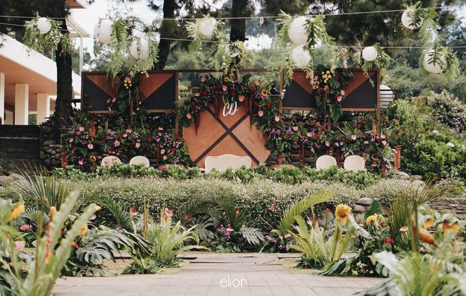 The Vibrant Tropical Wedding of Christa & Dede by Elior Design - 006