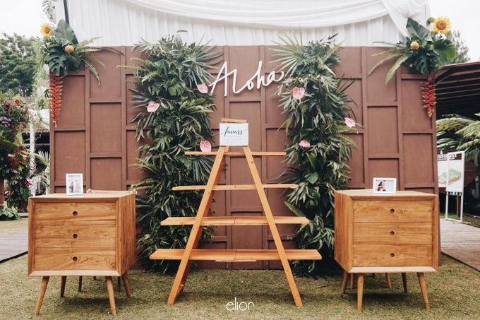 The Vibrant Tropical Wedding of Christa & Dede by Elior Design - 008
