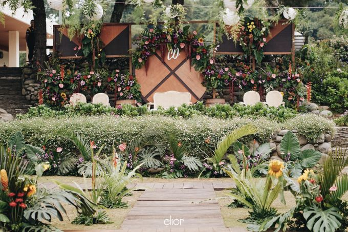 The Vibrant Tropical Wedding of Christa & Dede by Elior Design - 009
