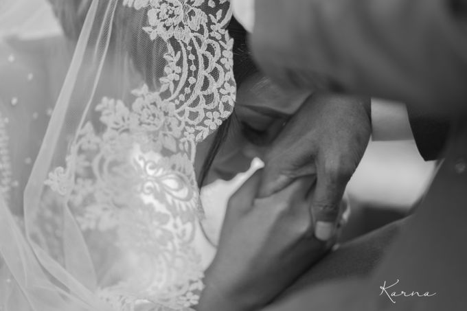 Dinta - Derry Wedding by Karna Pictures - 017