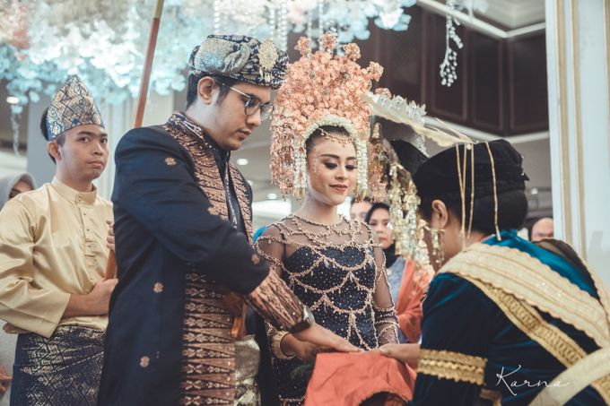Dinta - Derry Wedding by Karna Pictures - 020