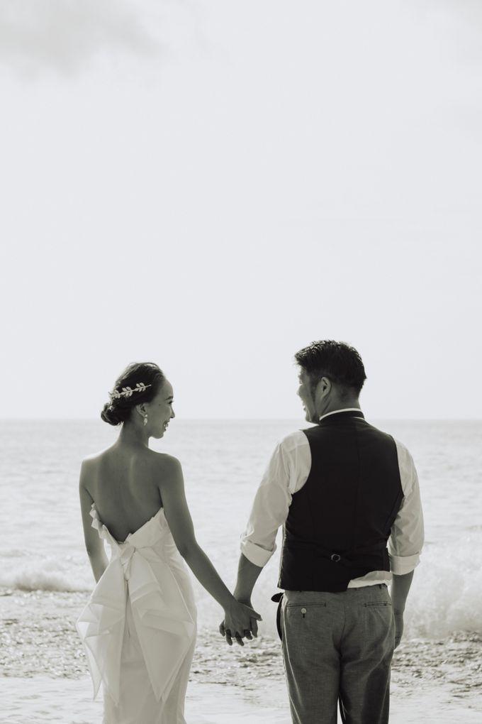 Hiro & Ai Pre-Wedding Session In Tegal Wangi Beach by Satrya Photography - 004