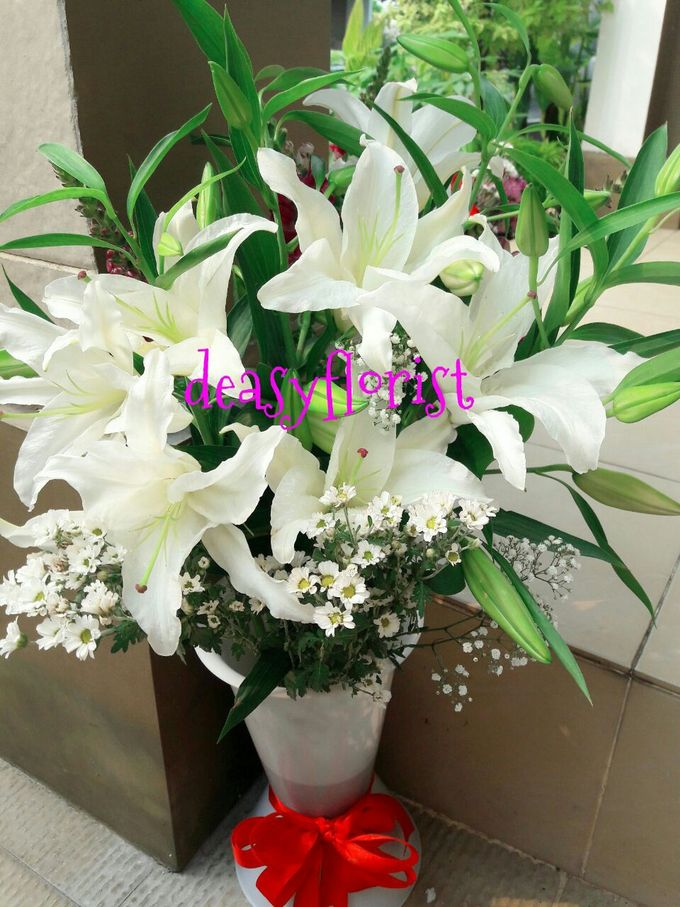 Deasy Florist - Custom Made Bouquet & Floral Arrangement by Deasy Florist - 007