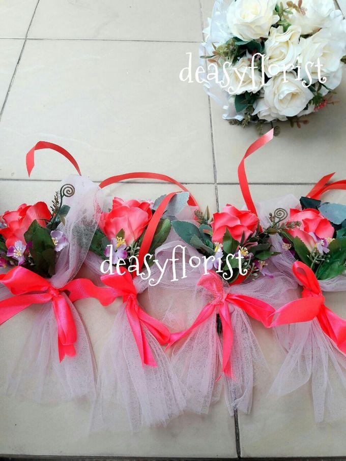 Deasy Florist - Custom Made Bouquet & Floral Arrangement by Deasy Florist - 005