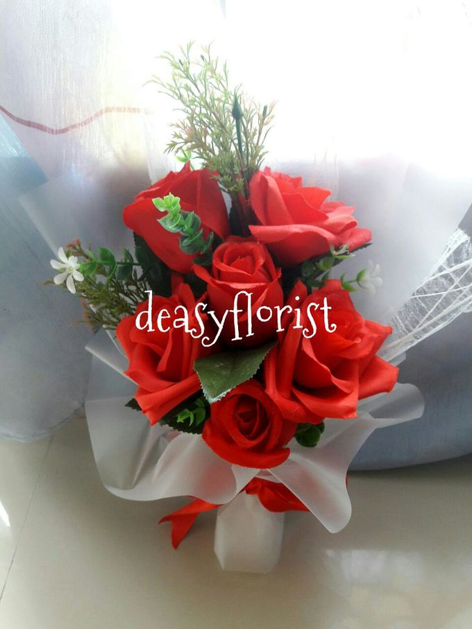 Deasy Florist - Custom Made Bouquet & Floral Arrangement by Deasy Florist - 010