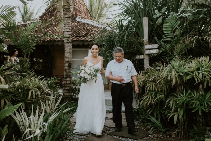 Komune Resorts Wedding - Derek & Emily by Snap Story Pictures - 007