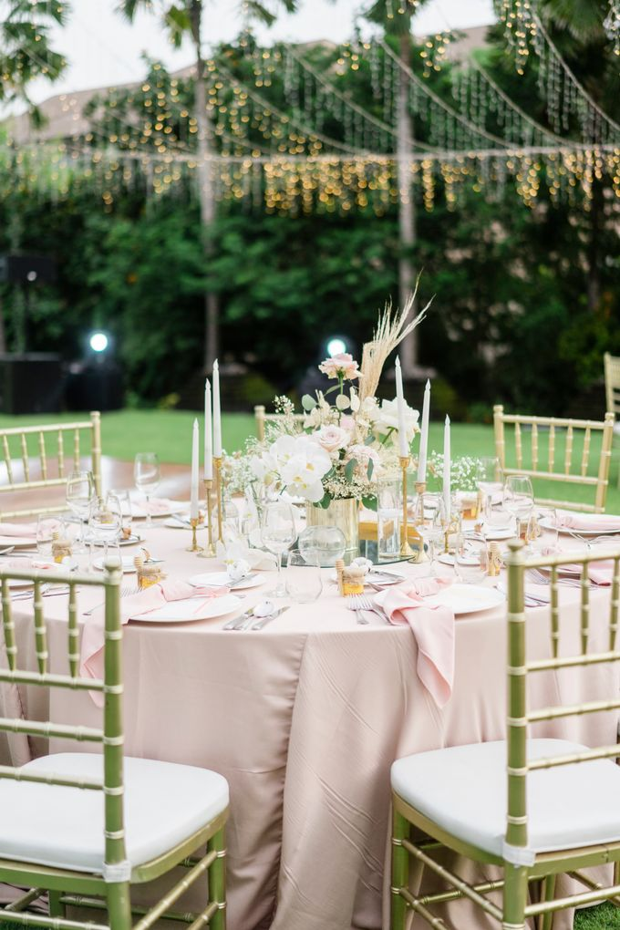 Elegant Wedding Decoration with the mix of blush and ivory at The Ritz Carlton by Silverdust Decoration - 002