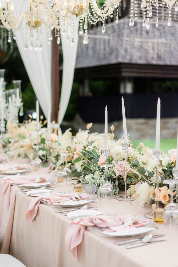 Elegant Wedding Decoration with the mix of blush and ivory at The Ritz Carlton by Silverdust Decoration - 003