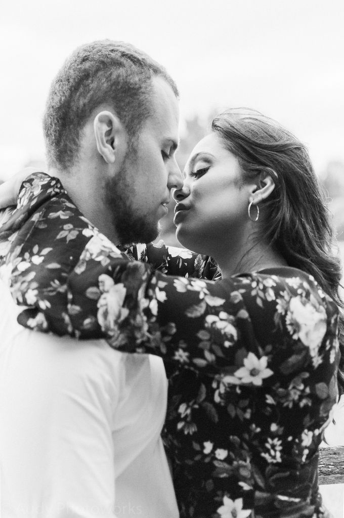 Sweethearts by Born in November Photographs - 017