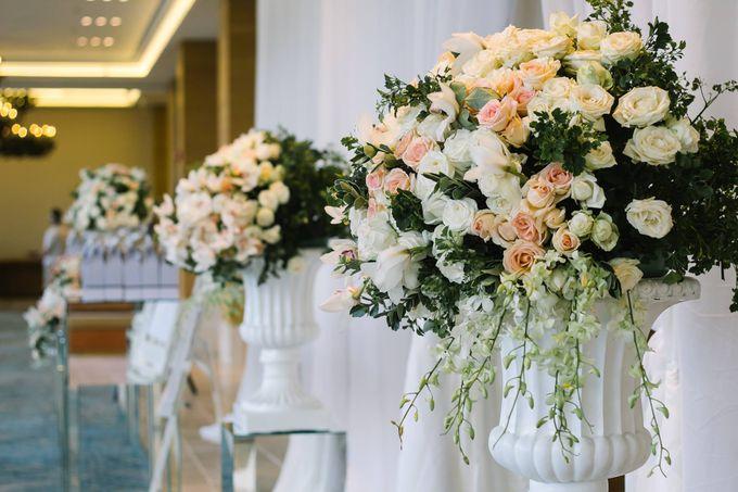 Ritz Carlton Bali Wedding | Addo & Jodie by Eurasia Wedding - 026
