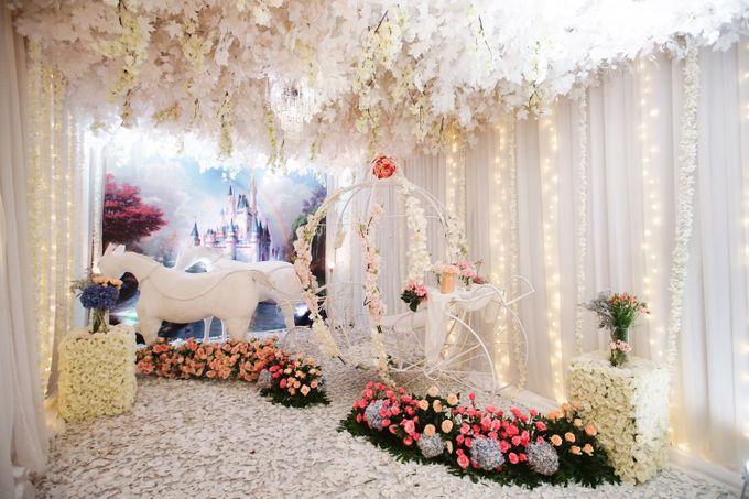 The Wedding of Raymoon Anjelina by The Swan Decoration - 007