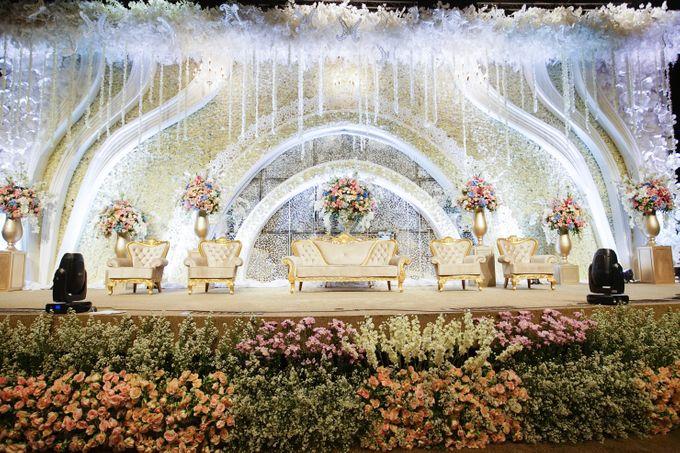 The Wedding of Raymoon Anjelina by The Swan Decoration - 011
