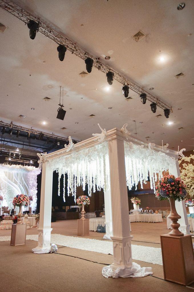 The Wedding of Raymoon Anjelina by The Swan Decoration - 002