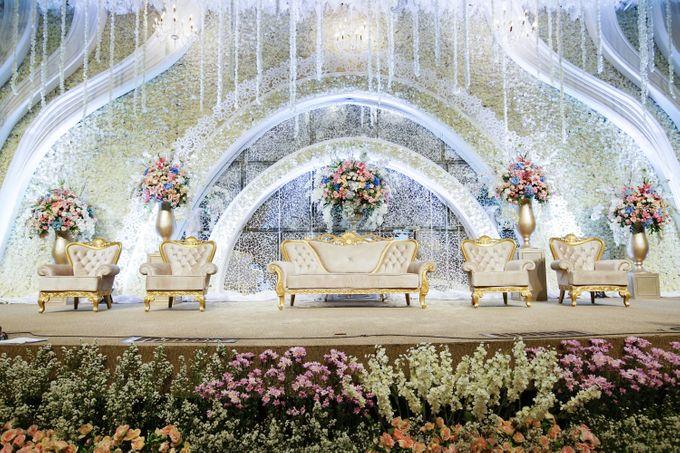 The Wedding of Raymoon Anjelina by The Swan Decoration - 013