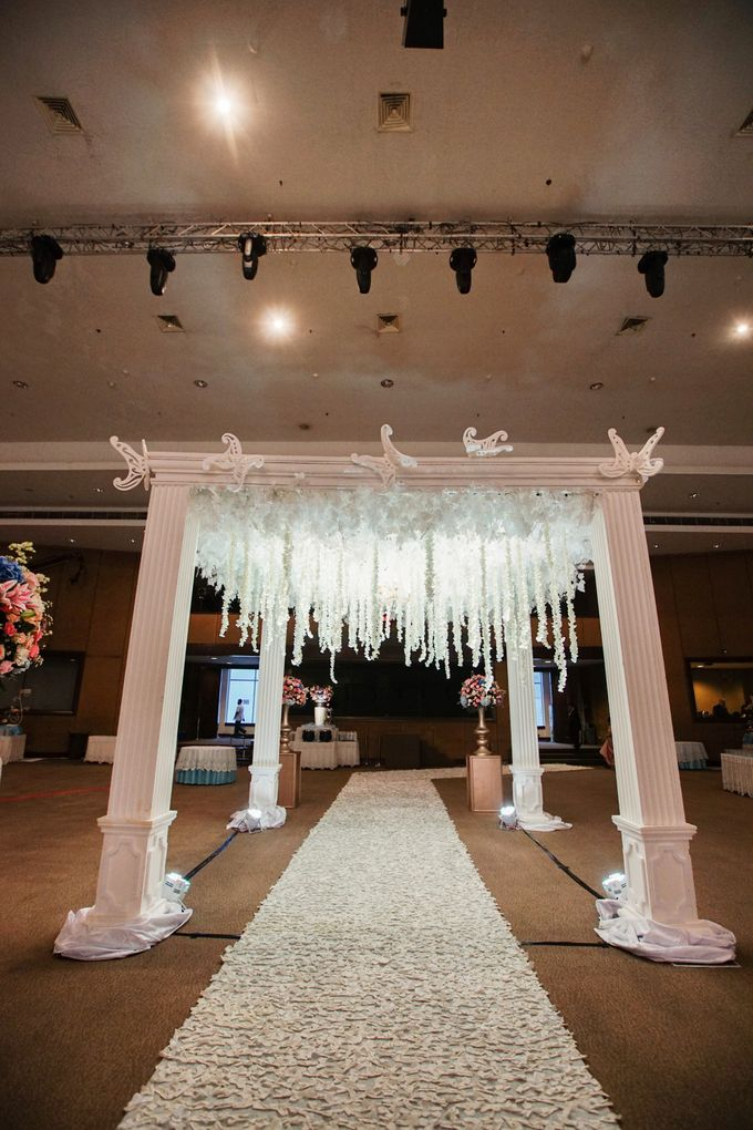 The Wedding of Raymoon Anjelina by The Swan Decoration - 015