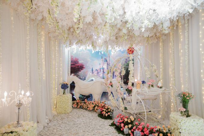 The Wedding of Raymoon Anjelina by The Swan Decoration - 020