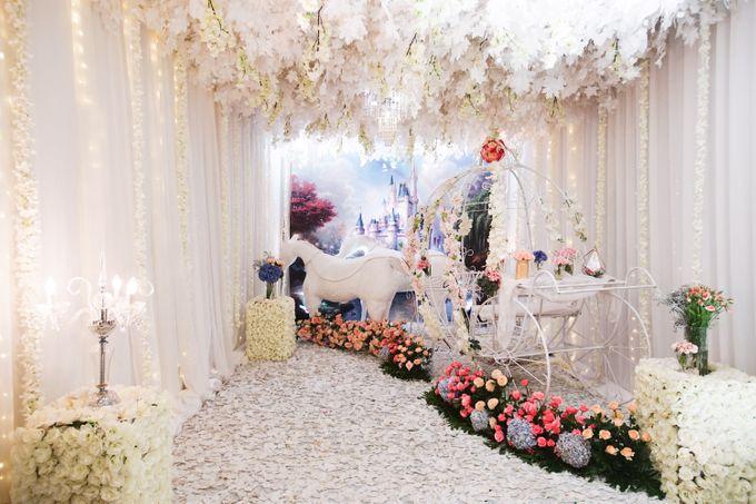 The Wedding of Raymoon Anjelina by The Swan Decoration - 003