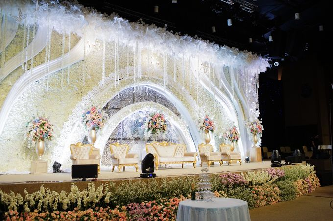 The Wedding of Raymoon Anjelina by The Swan Decoration - 035