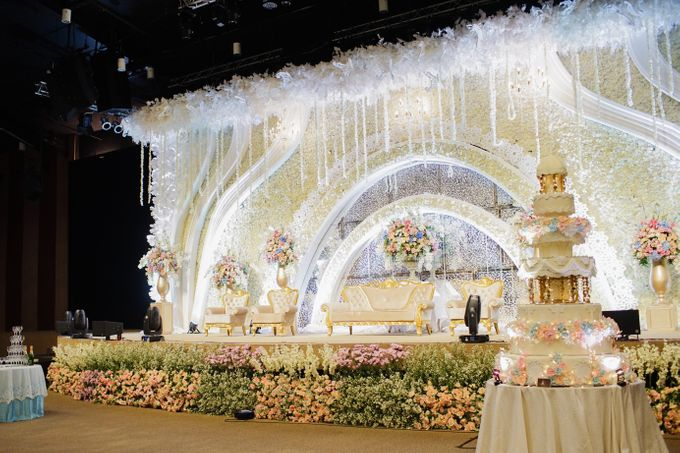 The Wedding of Raymoon Anjelina by The Swan Decoration - 036
