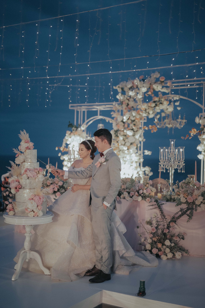 The Wedding of Randy and Sally by Delapan Bali Event & Wedding - 022